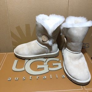 Women UGG Bailey Button Sand Sheepskin Suede Boots